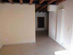 Appartamento al piano primo con posto auto scoperto (sub 60) - Lotto 8736 (Asta 8736)