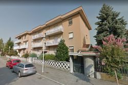 Apartment with basement room  Sub.     - Lot 8756 (Auction 8756)
