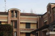 Immagine n1 - Appartamento con soffitta e autorimessa - Asta 8775