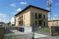 Residential building with appliances - Lote 8776 (Subasta 8776)