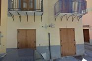 Immagine n0 - Quota 1/2 of building in the historic center - Asta 8782