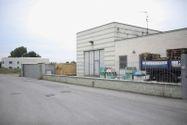Immagine n0 - Capannone espositivo con uffici e magazzino - Asta 880