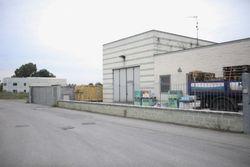 Capannone espositivo con uffici e magazzino - Lotto 880 (Asta 880)