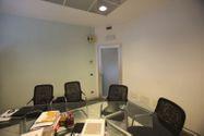 Immagine n33 - Capannone espositivo con uffici e magazzino - Asta 880