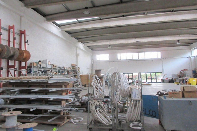 #8882 Porzione di capannone con box prefabbricato in vendita - foto 8