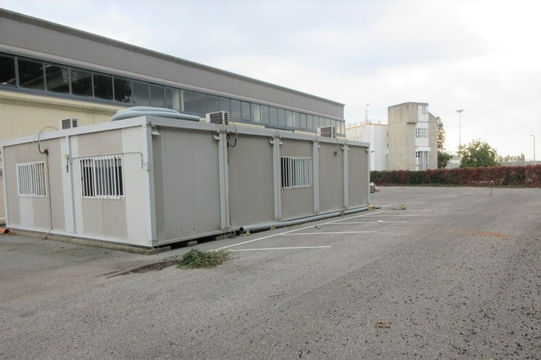 #8882 Porzione di capannone con box prefabbricato in vendita - foto 9