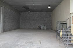 Warehouse of     square meters with maneuvering area - Lot 8885 (Auction 8885)
