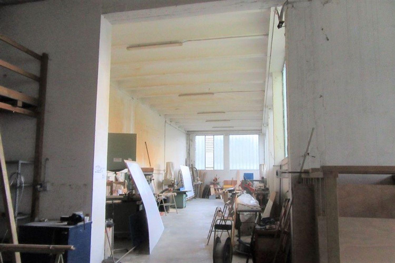 Immagine n. 2 - #8909 Porzione di capannone con corte (sub 3-8)