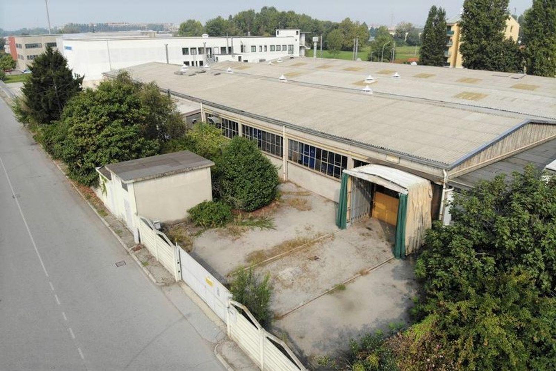 #8935 Capannone (part 95) in zona industriale