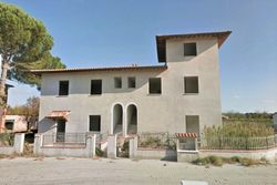 Four family building under construction - Lote 8939 (Subasta 8939)