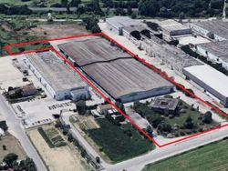 Industrial factory with relevant offices and court - Lote 8940 (Subasta 8940)
