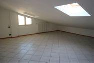Immagine n5 - Apartment with attic (sub 22) and garage - Asta 8945