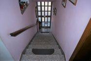 Immagine n1 - Quota 2/3 di appartamento con soffitta grezza - Asta 8950