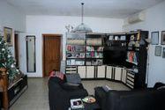 Immagine n2 - Quota 2/3 di appartamento con soffitta grezza - Asta 8950