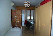 Immagine n6 - Quota 2/3 di appartamento con soffitta grezza - Asta 8950