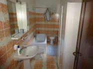 Immagine n10 - Appartamento duplex e servizi al piano terra - Asta 8951