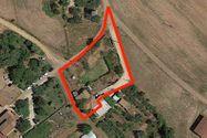 Immagine n0 - Due abitazioni rurali con cortile e terreno - Asta 8957