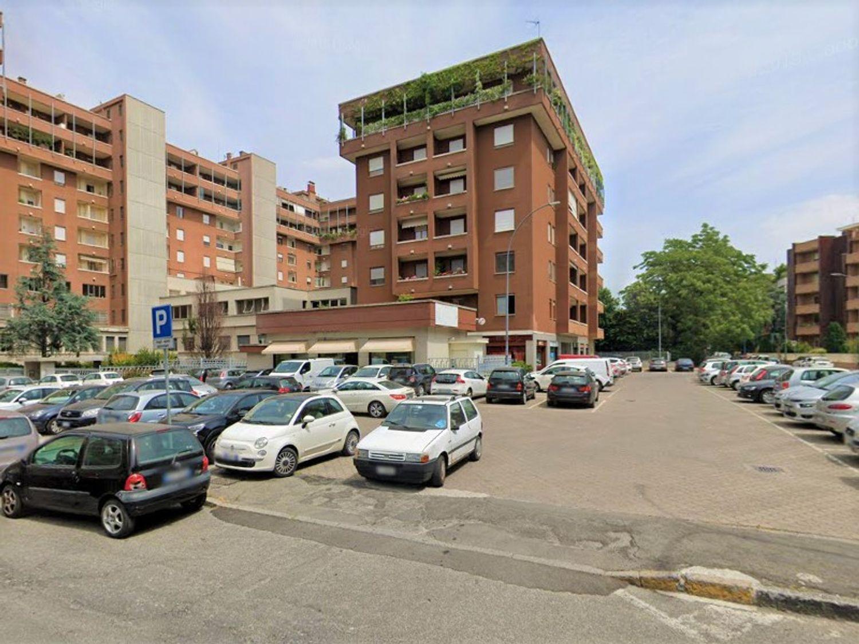 #8961 Palestra su due piani interrat, Piacenza, Emilia ...