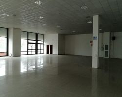 Commercial warehouse of  ,    square meters - Lot 9016 (Auction 9016)