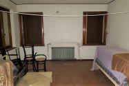 Immagine n1 - Edificio abitativo con ufficio e garage - Asta 9017