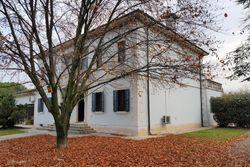Villetta con giardino e autorimessa - Lotto 9018 (Asta 9018)
