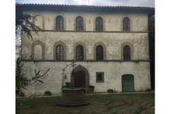 Villa storica con parco e pertinenze