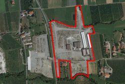 Complesso industriale con terreni edificabili ed agricoli