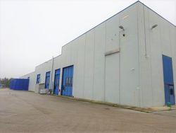 Opificio industriale con uffici e terreni