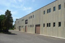 Industrial warehouse with apartment - Lot 9145 (Auction 9145)