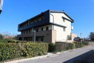 Immagine n1 - Appartamento al piano primo con giardino e autorimessa - sub 28 - Asta 9175