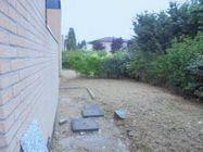 Immagine n2 - Apartamento de dos habitaciones en el primer piso con jardín y garaje - sub 30 - Asta 9177