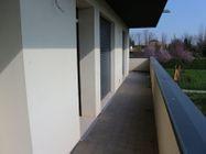 Immagine n4 - Apartamento de dos habitaciones en el primer piso con jardín y garaje - sub 30 - Asta 9177