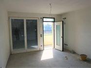 Immagine n5 - Apartamento de dos habitaciones en el primer piso con jardín y garaje - sub 30 - Asta 9177