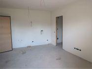 Immagine n7 - Apartamento de dos habitaciones en el primer piso con jardín y garaje - sub 30 - Asta 9177