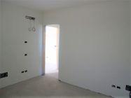 Immagine n9 - Apartamento de dos habitaciones en el primer piso con jardín y garaje - sub 30 - Asta 9177