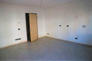Immagine n1 - Apartamento de dos habitaciones en el primer piso con garaje - sub 30 - Asta 9198