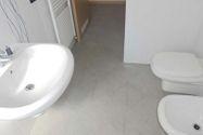 Immagine n4 - Apartamento de dos habitaciones en el primer piso con garaje - sub 30 - Asta 9198