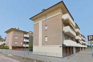 Immagine n10 - Apartamento de dos habitaciones en el primer piso con garaje - sub 30 - Asta 9198