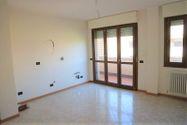 Immagine n0 - Appartamento al piano secondo con autorimessa - sub 56 - Asta 9203