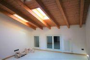 Immagine n0 - Appartamento al piano terzo con autorimessa e cantina - sub 144 - Asta 9226