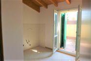 Immagine n2 - Appartamento al piano terzo con autorimessa e cantina - sub 144 - Asta 9226