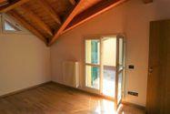 Immagine n9 - Appartamento al piano terzo con autorimessa e cantina - sub 144 - Asta 9226