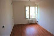 Immagine n3 - Appartamento duplex con autorimessa e cantina - sub 147 - Asta 9227