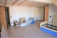 Immagine n1 - Appartamento duplex con autorimessa e cantina - sub 150 - Asta 9229