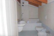 Immagine n6 - Appartamento duplex con autorimessa e cantina - sub 151 - Asta 9230