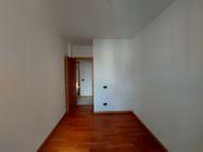 Immagine n9 - Trilocale al piano primo con autorimessa - sub 119 - Asta 9237