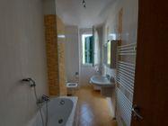Immagine n3 - Apartamento de tres habitaciones en el primer piso con garaje - sub 124 - Asta 9238