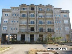 Palazzina residenziale al grezzo avanzato (part 693)