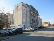 Immagine n1 - Tre appartamenti e tre garage al grezzo avanzato (part 696) - Asta 9264