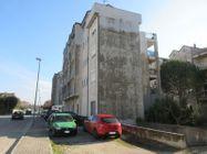 Immagine n2 - Tre appartamenti e tre garage al grezzo avanzato (part 696) - Asta 9264